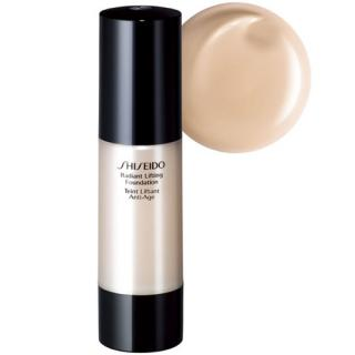 Shiseido Rozjasňující liftingový make-up (Radiant Lifting Foundation) 30 ml I40 Natural Fair Ivory (SPF 15)