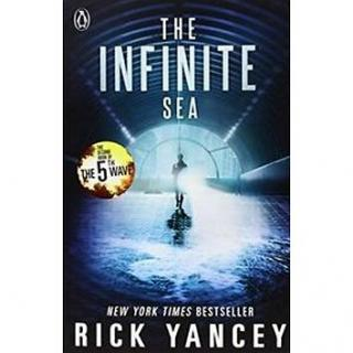 The Infinite Sea (9780141345871)
